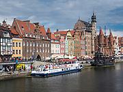 Długie Pobrzeże - deptak nadwodny w Gdańsku na Głównym Mieście.