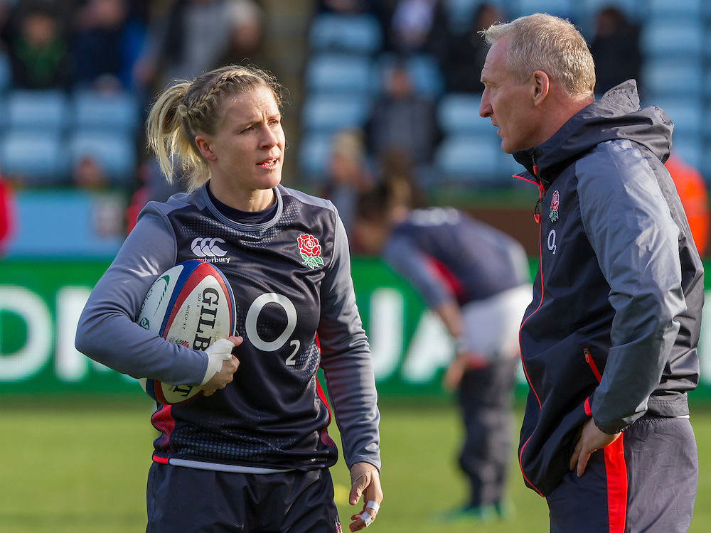 Danielle Waterman and Simon Middleton talk during the warm up, England Women v New Zealand Women in an Old Mutual Wealth Series, Autumn International match at Twickenham Stoop, Twickenham, England, on 19th November 2016. Full Time score 20-25