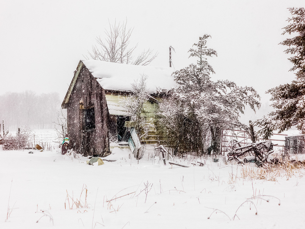 https://Duncan.co/decaying-barn-in-the-snow