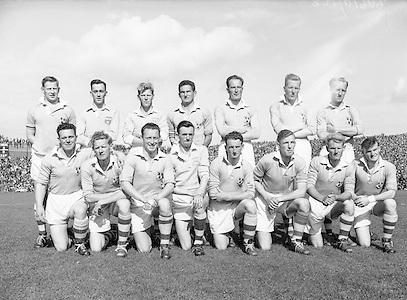 Neg No:.871/a1908-a1909..1955AISFCSF...All Ireland Senior Football Championship - Semi-Final..21.08.1955. 08.21.1955, 21st August 1955.Dublin.1-8..Mayo.1-7..Dublin. ..P. O'Flaherty, D. Mahony (Captain), J. Lavin, M. Moylan, Maurice Whelan, J. Crowley, N. Maher, J. McGuinness, C. O'Leary, D. Ferguson, O. Freaney, J. Boyle, P. Haughey, K. Heffernan, C. Freaney.Subs: T. Jennings for McGuinness; W. Monks for Jennings.D. Mahony (Captain). ..Galway. .K. Croke, S. Naughton, T. Broderick, S. Keane, P. Davis, A. ODwyer, S. Murray, M. Fox, P. J. Lally, N. Murray, T. Ryan, L. Marmion, T. Flanagan, E. Newell, S. Gannon..Sub: N. ONeill for T Ryan. ....RESCAN
