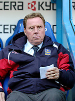 Photo: Leigh Quinnell.<br /> Reading v Portsmouth. The Barclays Premiership. 17/03/2007. Portsmouty boss Harry Redknapp takes notes.