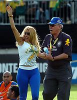 Sheila Soares kuesste Ronaldinho und wird triumphierend abgefuehrt. © Alexander Wagner/EQ Images