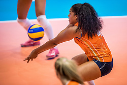 05-06-2018 NED: Volleyball Nations League Netherlands - Dominican Republic, Rotterdam<br /> Netherlands wins with 3-0 over Dominican Republic / Celeste Plak #4 of Netherlands