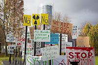 DEUTSCHLAND - BONN - 'Save the World' Protestschilder als Kunstwerk von Theater Bonn, auf der Klimakonferenz COP 23 Fiji in Bonn - 13. November 2017 © Raphael Hünerfauth - http://huenerfauth.ch