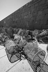 Nasse depositate sul molo del porto di Gallipoli (LE)