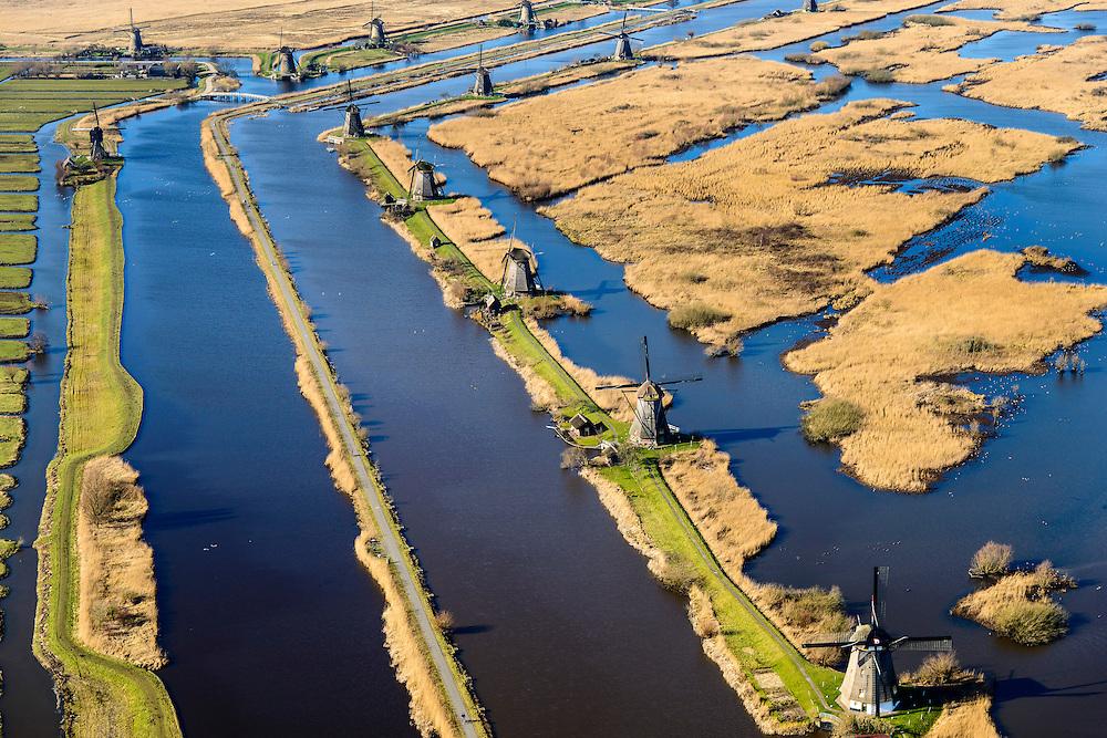 Nederland, Zuid-Holland, Elshout, 18-02-2015; Kinderdijk. De trekpleister voor toeristen: de molens van Kinderdijk staan op de Werelderfgoedlijst van de Unesco. <br />  The main tourist attraction of the Netherlands: the windmills of Kinderdijk, World Heritage List of UNESCO.<br />  luchtfoto (toeslag op standard tarieven);<br /> aerial photo (additional fee required);<br /> copyright foto/photo Siebe Swart