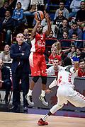 DESCRIZIONE : Milano Lega A 2014-15 Olimpia EA7 Emporio Armani Milano - Vitoria<br /> GIOCATORE : Oliver Lafayette<br /> CATEGORIA : Tiro Tre Punti <br /> SQUADRA : Olimpia EA7 Emporio Armani Milano<br /> EVENTO : Campionato Lega A 2015-2016<br /> GARA : Olimpia EA7 Emporio Armani Milano - Vitoria<br /> DATA : 16/10/2015<br /> SPORT : Pallacanestro<br /> AUTORE : Agenzia Ciamillo-Castoria/M.Ozbot<br /> Galleria : Lega Basket A 2015-2016 <br /> Fotonotizia: Milano Lega A 2015-16 Olimpia EA7 Emporio Armani Milano - Vitoria