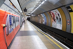 March 18, 2020, London, UK: An empty train platform at Baker Street station during the morning rush during the Coronavirus outbreak. (Credit Image: © Ray Tang/London News Pictures via ZUMA Wire)