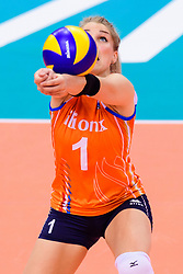 12.06.2018, Porsche Arena, Stuttgart<br /> Volleyball, Volleyball Nations League, Türkei / Tuerkei vs. Niederlande<br /> <br /> Zuspiel Kirsten Knip (#1 NED) / Libero<br /> <br /> Foto: Conny Kurth / www.kurth-media.de