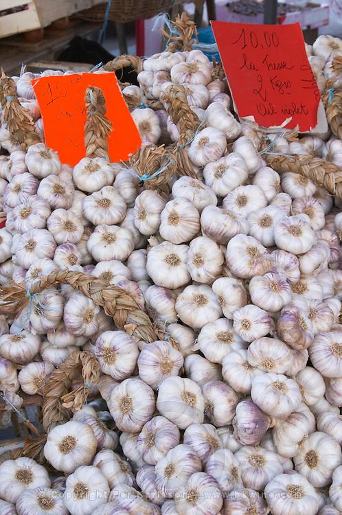 On a street market. On a street market. Garlic. Bordeaux city, Aquitaine, Gironde, France