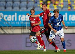 Frederik Gytkjær (Lyngby Boldklub) kæmper med Andreas Bjelland (FC København) under kampen i 3F Superligaen mellem Lyngby Boldklub og FC København den 1. juni 2020 på Lyngby Stadion (Foto: Claus Birch).