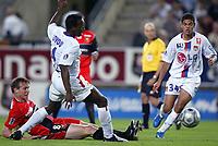 Fotball<br /> Frankrike 2004/05<br /> Rennes v Lyon<br /> 11. september 2004<br /> Foto: Digitalsport<br /> NORWAY ONLY<br /> KIM KALLSTROM (REN) / SIDNEY GOVOU / HATEM BEN ARFA (LYON)