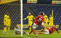 Jonas Wind (Danmark) scorer til 1-0 under venskabskampen mellem Danmark og Sverige den 11. november 2020 på Brøndby Stadion (Foto: Claus Birch).