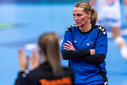 14-12-2018 FRA: Women European Handball Championships France - Netherlands, Paris<br /> Second semi final France - Netherlands / Coach Helle Thomsen of Netherlands