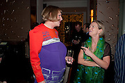 GRAYSON PERRY; VANESSA BRANSON, Ella Krasner and Pablo Ganguli host a Liberatum dinner in honour of Sir V.S.Naipaul. The Landau at the Langham. London. 23 November 2010. -DO NOT ARCHIVE-© Copyright Photograph by Dafydd Jones. 248 Clapham Rd. London SW9 0PZ. Tel 0207 820 0771. www.dafjones.com.