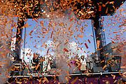 Her Majesty the queen and members of the royal family celebrate Saturday 29 April 2006 Queensday in the province flevoland in the cities  Zeewolde and almere.<br /> <br /> Hare Majesteit de Koningin en leden van de Koninklijke Familie vieren zaterdag 29 april 2006 Koninginnedag mee in de provincie Flevoland en wel in Zeewolde en Almere.<br /> <br /> On the Photo / Op dce foto: The Royal Family says goodbye to Almere / De Koninlijke familie neemt  afscheid van Almere.