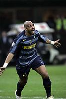 Milano, 29-03-06<br /> Champion's League 05-06<br /> Inter Milan FC - Villareal<br /> nella  foto Adriano esulta dopo il suo gol<br /> Foto Digitalsport