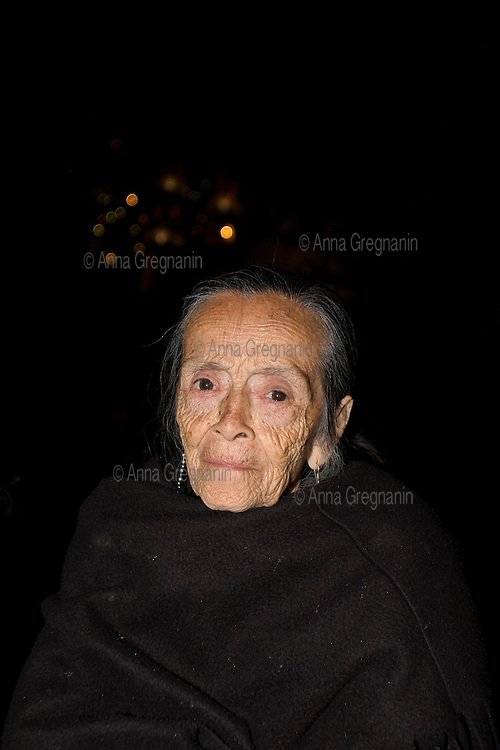 Mexico, Guerrero: Holy week in Taxco : Portrait of an old woman who attends the procession