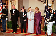 """President Bill Clinton (L) stands with Czech President Vaclav Havel, first lady Hillary Clinton and Dagmar Havlova (R), wife of President Havel during the arrival at the State dinner September 16, 1998 in Washington, DC.  Havel, the former dissident playwright who led Czechoslovakia's 1989 """"Velvet Revolution"""" against communism and then served as his country's president, died December 18, 2011.  He was 75."""
