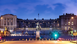 THEMENBILD - Schloss Versailles am Abend in der blauen Stunde, aufgenommen am 08. Juni 2016 in Versailles, Frankreich // Castle Versailles in the evening in the blue hour, Versailles, France on 2016/06/08. EXPA Pictures © 2017, PhotoCredit: EXPA/ JFK