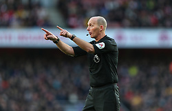 Referee Mike Dean taking charge of his 500th Premier League game  - Mandatory by-line: Arron Gent/JMP - 18/01/2020 - FOOTBALL - Emirates Stadium - London, England - Arsenal v Sheffield United - Premier League