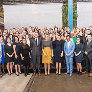 NLD/Amersfoort/20190305  - Koningin Maxima bij jubileumsymposium Qredits , Koningin Maxima ten midden van ondernemers