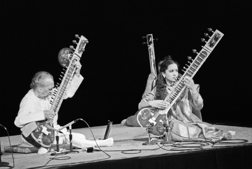BETHLEHEM - APRIL 18: (L-R) Ravi Shankar and his daughter Anoushka Shankar perform at Lehigh University's Baker Hall on April 18, 1998, in Bethlehem, Pennsylvania. (Photo by Lisa Lake)