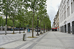 Avenue des Champs-Elysees on the 43rd day of lockdown to prevent the spread of Covid-19. Paris, France on April 28, 2020. Photo by Vincent Gramain/ABACAPRESS.COM