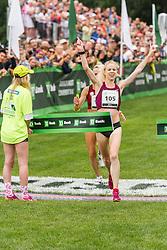 Gemma Steel edges Shalane Flanagan for win