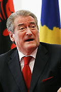 Albania's Prime Minister Sali Berisha gestures during a press conference with Kosovo's Prime Minister Hashim Thaçi in Pristina, on Monday, October 6, 2009. <br /> This is his first visit to Kosovo, since Kosovo's declaration of independence. (Photo/ Vudi Xhymshiti)