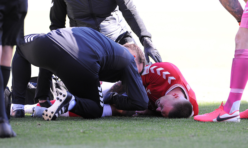 Bristol City's Jack Hunt is treated by the medics and eventually is forced off with injury<br /> <br /> Photographer Ian Cook/CameraSport<br /> <br /> The EFL Sky Bet Championship - Bristol City v Sheffield Wednesday - Sunday 27th September, 2020 - Ashton Gate - Bristol<br /> <br /> World Copyright © 2020 CameraSport. All rights reserved. 43 Linden Ave. Countesthorpe. Leicester. England. LE8 5PG - Tel: +44 (0) 116 277 4147 - admin@camerasport.com - www.camerasport.com