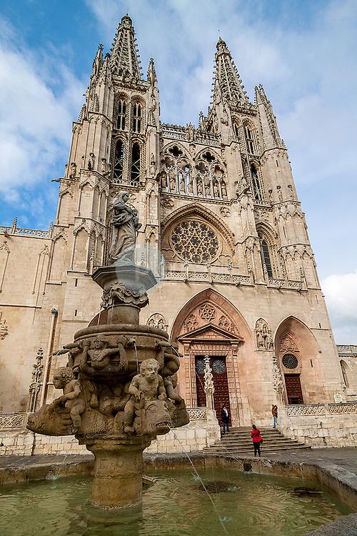 Fuente de Santa Maria. Catedral de Burgos. Castilla y Leon. España. Europa ©Javier Abad / PILAR REVILLA