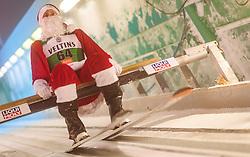 THEMENBILD - ein verkleideter Skispringer als Heiliger Nikolaus oder Weihnachtsmann, aufgenommen am 25. November 2017 in Ruka, Finnland // a ski jumper dressed as Saint Nicholas or Santa Claus, Ruka, Finland on 2017/11/25. EXPA Pictures © 2017, PhotoCredit: EXPA/ JFK