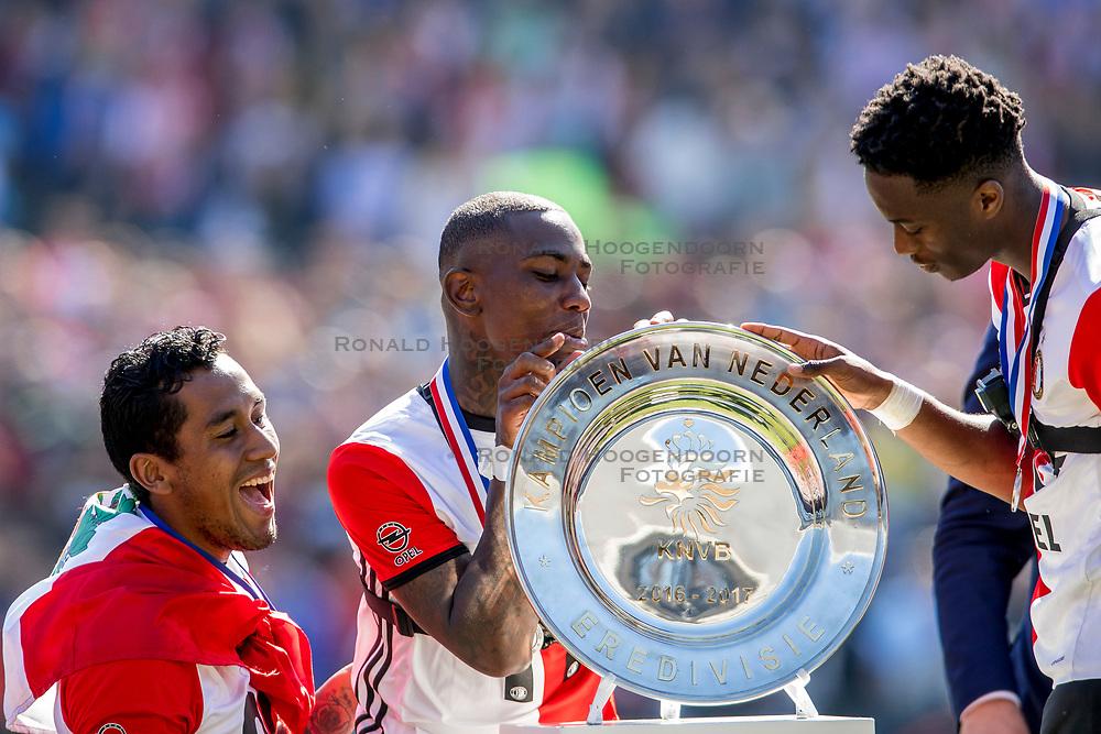 14-05-2017 NED: Kampioenswedstrijd Feyenoord - Heracles Almelo, Rotterdam<br /> In een uitverkochte Kuip pakt Feyenoord met een 3-1 overwinning het landskampioenschap / /De schaal, Eljero Elia #11, Terence Kongolo #4