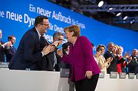 DEU, Deutschland, Germany, Berlin,26.02.2018: Der designierte Bundesgesundheitsminister Jens Spahn (CDU) applaudiert für Bundeskanzlerin Dr. Angela Merkel (CDU) nach ihrer Rede auf dem Parteitag der CDU in der Station. Die Delegierten stimmten mit großer Mehrheit für die Neuauflage der Großen Koalition (GroKo).