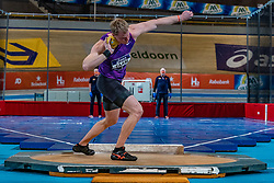 Rik Taam in action on the shot put during the all-around at the Dutch Athletics Championships on 13 February 2021 in Apeldoorn