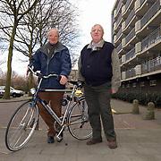 Aankomend en vertrekkend voorzitter Fietsgilde 't Gooi, Frits ter Maat Hilversum