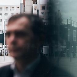 Sebastien Bohler, a neuroscientist and journalist, posing outside the Maison de la Radio. Paris, France. December 1, 2020. <br /> Sebastien Bohler, chercheur en neurosciences et journaliste, prenant la pose a l'exterieur de la Maison de la Radio. Paris, France. 1er decembre 2020.