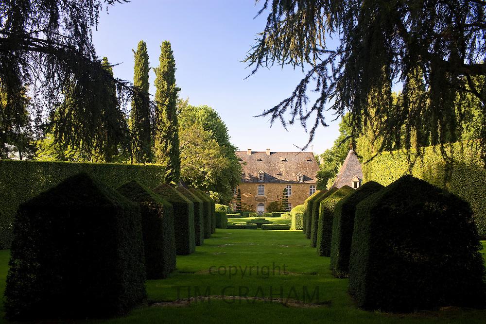 "Les Jardins de Manoir d""Eyrignac gardens of hornbeam, cypress and boxwod at Salignac near Sarlat, the Dordogne, France"