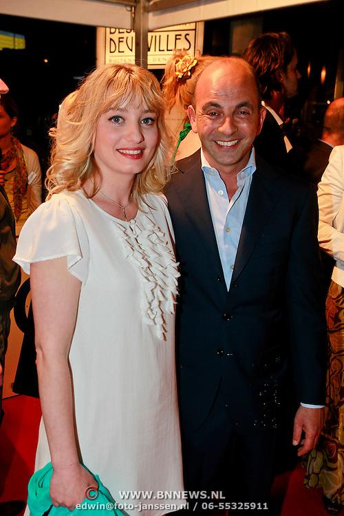NLD/Den Haag/20110406 - Premiere Alle Tijden, Karina Smulders en regisseur Job Gosschalk