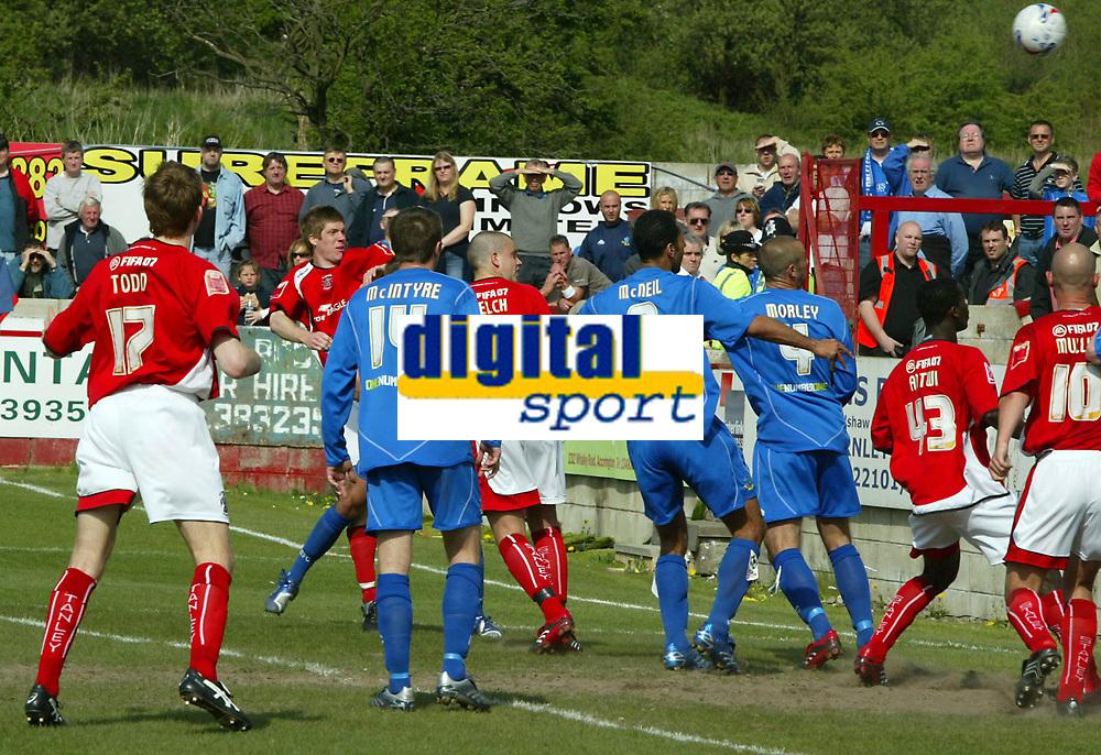Photo: Paul Greenwood.<br />Accrington Stanley v Macclesfield Town. Coca Cola League 2. 28/04/2007.<br />Accrington's Andrew Proctor (far side) scores the second goal