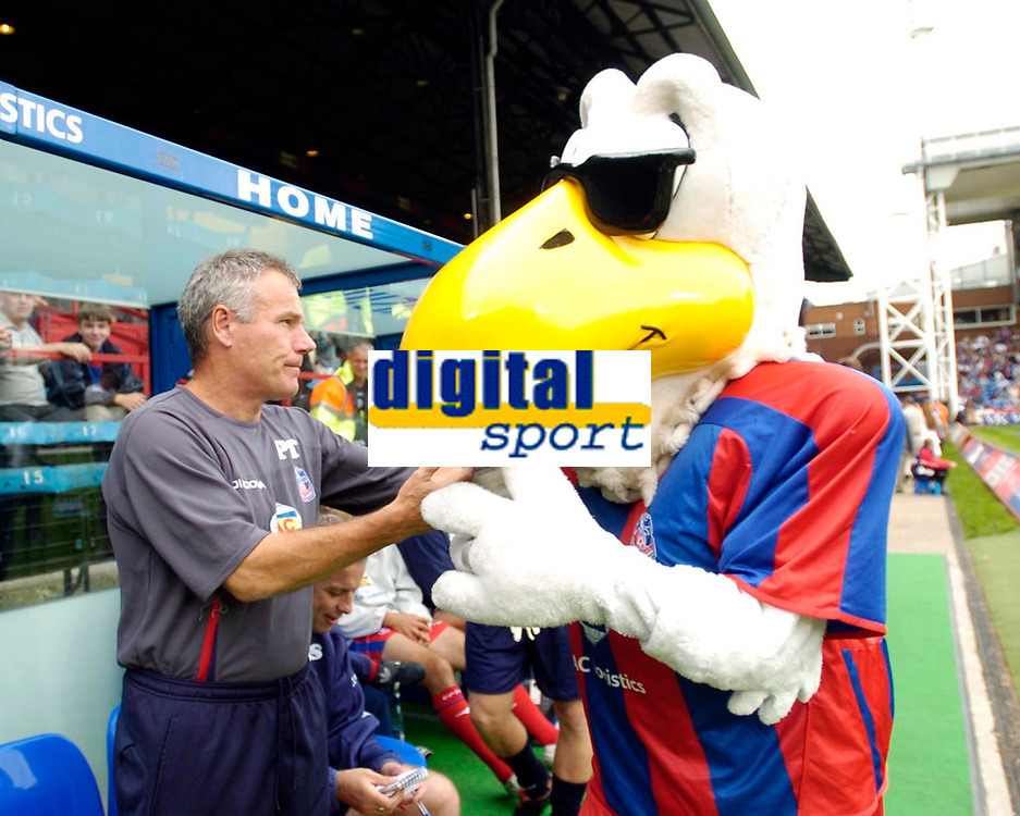 Photo: Daniel Hambury.<br />Crystal Palace v Burnley. Coca Cola Championship. 26/08/2006.<br />Palace's manager Peter Taylor with club mascot Pete the Eagle.