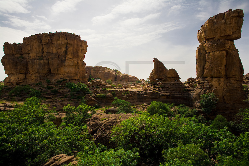 Begnimato village is surrounded by unusual rock formations. The Dogon Country is the most visited part of Mali with tourists visiting its tipical  villages that can be located on the cliff, on the sandy plain or in the rocky plateau.
