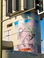 DEU, Deutschland, Germany, Berlin, 21.03.2020: Der Berliner Bär denkt positiv: Home Sweet Home. Aufgrund der Coronakrise sind die Berliner angehalten möglichst zuhause zu bleiben und Abstand von anderen Menschen zu halten. Auswirkungen der Pandemie, Coronavirus (Covid-19), Corona auf das öffentliche Leben in Berlin.