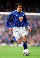 Mustafa Izzet (Leicester City). Leicester City v Aston Villa, 19/8/2000, F.A. Carling Premiership. Credit : Colorsport / Matthew Impey.