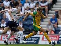 Photo: Jed Wee/Sportsbeat Images. <br /> Preston North End v Norwich City. Coca Cola Championship. 11/08/2007. <br /> <br /> Norwich's Chris Brown (R) surges through the Preston defence.