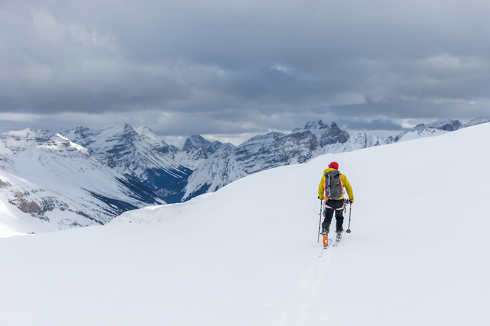 Taylor Sullivan skiing across the Wapta Icefield in a day