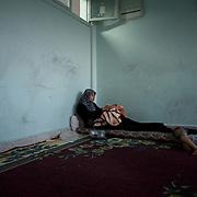 Syria: Refugees flee war torn Aleppo