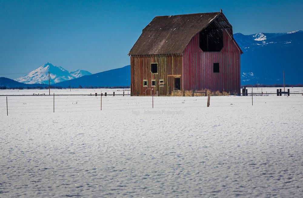 Barn on field in southern Oregon in the winter