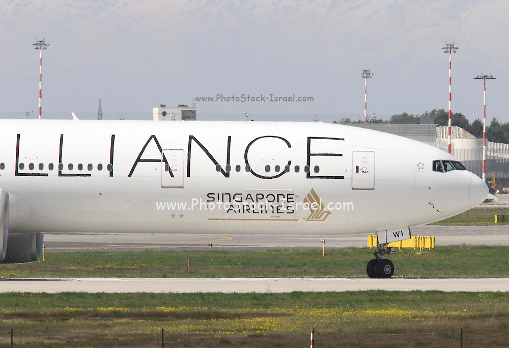 9V-SWI Star alliance, Singapore Airlines, Boeing 777. Photographed at Malpensa airport, Milan, Italy